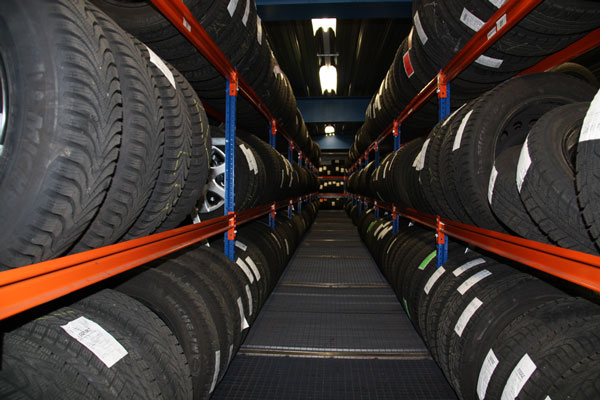 Boonstoppel-Truckservice - Bandenservice - Bandenhotel
